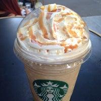 Photo prise au Starbucks Coffee par Francesca le8/23/2013