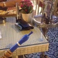 Снимок сделан в Ali Baba Restaurant & Nargile пользователем Sena K. 7/7/2014