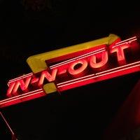 Foto scattata a In-N-Out Burger da Marshall R. il 1/26/2013
