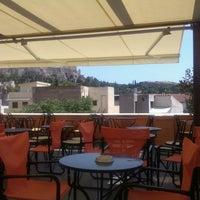 รูปภาพถ่ายที่ Loukoumi Bar & Loukoumi #10 โดย Dimitris T. เมื่อ 6/23/2013