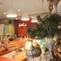 Das Foto wurde bei Schumli von кафе Schumli am 12/7/2013 aufgenommen