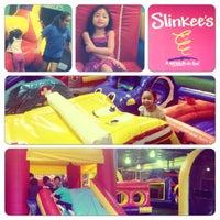Foto diambil di Slinkee's Jax oleh Michael M. pada 12/27/2014
