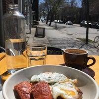 Foto diambil di Fixe Café Bistro oleh Julie B. pada 5/6/2016