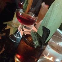 Das Foto wurde bei Looking Glass Cocktail Club von Ahuv 🇪🇺 am 5/9/2014 aufgenommen