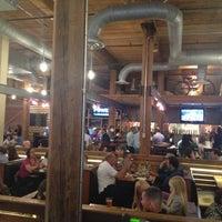 Das Foto wurde bei Tyler's Restaurant & Taproom von Chris R. am 5/3/2013 aufgenommen