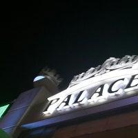 รูปภาพถ่ายที่ Palace Cafe Restaurant & Bowling โดย Emre` เมื่อ 7/28/2013