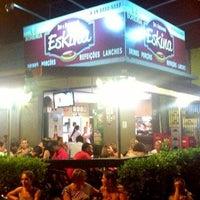 7/26/2013 tarihinde Eskina Bar e Restauranteziyaretçi tarafından Eskina Bar e Restaurante'de çekilen fotoğraf