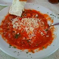 Foto diambil di Dodie's Cajun Restaurant oleh Jody K. pada 7/4/2013