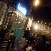 Foto tomada en Lucias Restaurant & Terrace Bar por Dardo D. el 10/6/2016