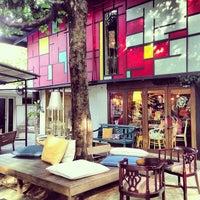7/21/2013 tarihinde Rhinna C.ziyaretçi tarafından 14 Four Cafe'de çekilen fotoğraf