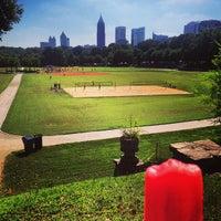 9/14/2013 tarihinde Mary Elise Chavezziyaretçi tarafından Atlanta Arts Festival'de çekilen fotoğraf