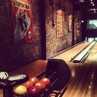 Das Foto wurde bei Brooklyn Bowl von Mary Elise Chavez am 4/13/2013 aufgenommen