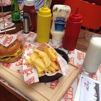 Foto diambil di City Burger oleh Noyan E. pada 7/31/2013