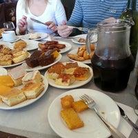 Foto tirada no(a) Coelho Café Colonial por Kathleen N. em 7/28/2013