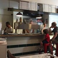 Foto scattata a Pizzeria Il Pellicano da Kursat K. il 7/28/2018