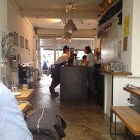 Das Foto wurde bei Store Street Espresso von Keith F. am 11/2/2014 aufgenommen
