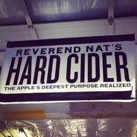 7/19/2013 tarihinde Clint H.ziyaretçi tarafından Reverend Nat's Hard Cider'de çekilen fotoğraf