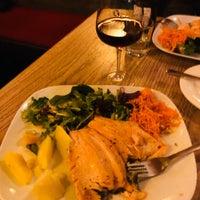 รูปภาพถ่ายที่ Gaumenkitzel Restaurant โดย Vincent J. เมื่อ 2/23/2020