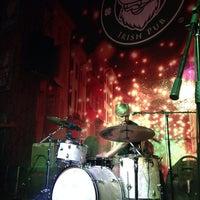 รูปภาพถ่ายที่ McCarthy's Irish Pub โดย Fabian Z. เมื่อ 10/5/2013