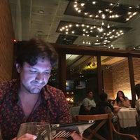 Foto tirada no(a) Duo Restaurante por Sandro F. em 11/19/2017