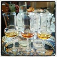 Photo prise au Whisky Café par Lancelot H. le8/5/2013