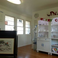 Photo prise au Hello Beautiful Skin Clinic par Arlene V. le12/19/2013