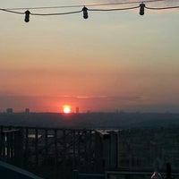 5/11/2013 tarihinde Esra K.ziyaretçi tarafından Balkon Bar'de çekilen fotoğraf