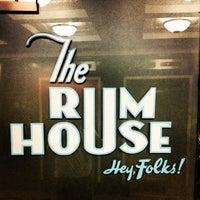 Foto diambil di The Rum House oleh Leandro E. pada 4/12/2013