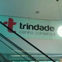 Das Foto wurde bei Centro Comercial Trindade Domus von Keyna S. am 3/24/2014 aufgenommen