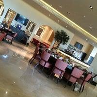 Foto diambil di Shababik Restaurant oleh Gül S. pada 6/26/2014