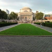 Foto scattata a Low Steps - Columbia University da Uzo il 9/27/2012