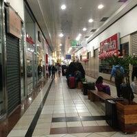Foto tirada no(a) Araguaia Shopping por Rafael d. em 8/4/2013