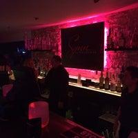 5/18/2014 tarihinde Jason R.ziyaretçi tarafından UROPA Nightclub & Lounge'de çekilen fotoğraf