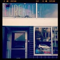 Foto tomada en Eureka! Cafe at 451 Castro Street por LettuceEatFood el 10/23/2013