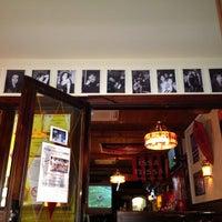 Das Foto wurde bei King's Pub von Yoan D. am 9/17/2013 aufgenommen