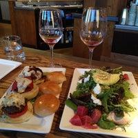 รูปภาพถ่ายที่ Terravant Winery Restaurant โดย Mark N. เมื่อ 7/2/2014