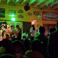 Das Foto wurde bei Bazurto Social Club von Yesenia M. am 8/17/2013 aufgenommen