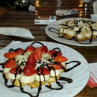 Das Foto wurde bei ALIR Cafe | Restaurant von Emre K. am 11/10/2013 aufgenommen