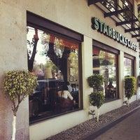 Снимок сделан в Starbucks пользователем Eduardo Z. 3/19/2013