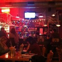 รูปภาพถ่ายที่ Brad's NYU โดย Tiana J. Kim เมื่อ 10/16/2012