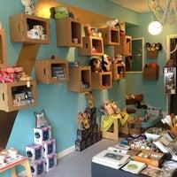 Foto tirada no(a) Urban Craft Headquarters por J. L. em 10/9/2012