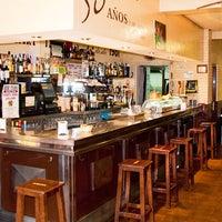 Foto scattata a Bar El Poteo de Sancho (ant. Txiki) da Bar El Poteo de Sancho (ant. Txiki) il 11/15/2014