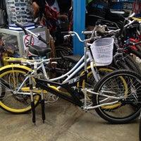 9/14/2013 tarihinde Giovanni M.ziyaretçi tarafından Bicicletas Emancipación'de çekilen fotoğraf