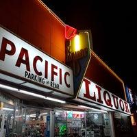 Foto tirada no(a) Pacific Liquor por Johan W. em 1/15/2019