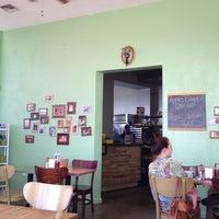 Das Foto wurde bei Bragg's Factory Diner von Janet C. am 6/22/2013 aufgenommen