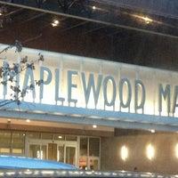 Снимок сделан в Maplewood Mall пользователем Baily B. 3/3/2013