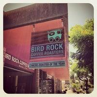 6/15/2013 tarihinde Olivier P.ziyaretçi tarafından Bird Rock Coffee Roasters'de çekilen fotoğraf