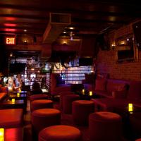 รูปภาพถ่ายที่ Snafu Bar โดย Snafu Bar เมื่อ 8/8/2013