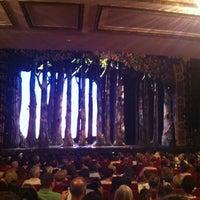 Foto tirada no(a) Cinderella on Broadway por Ray L. em 7/7/2013
