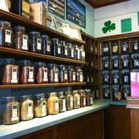 2/23/2013 tarihinde David P.ziyaretçi tarafından Perennial Tea Room'de çekilen fotoğraf